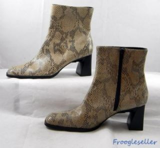 Andrew Geller womens fashion ankle boots heels shoes 8 M beige, black