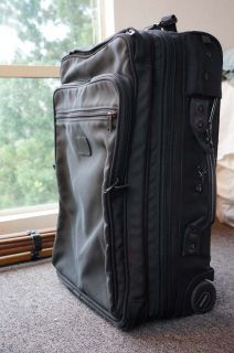 Andiamo Rolling Carry On Garment Bag Suitcase (Travel Luggage Tumi