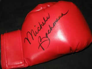 RARE Michele Bachmann Republican Potential Nominee Signed Boxing Glove