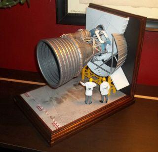 NASA Apollo Saturn V F1 Engine Model Display Diorama 1 25 scale Truly