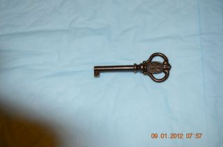 CLOCK DOOR KEY ANTIQUE STYLEfor Howard Miller RIDGEWAY CLOCKS