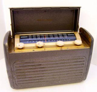 Antique Vintage Portable Table Radio General Electric GE Mod 250 Steel