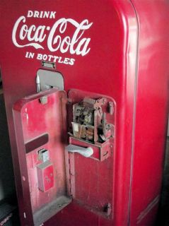Vintage Coke Machine Vendo V39