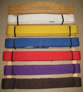 Do MARTIAL ARTS Uniform Belt Wood Display Rack with 6 Belts Robert