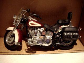 Harley Davidson Motorcycle Heritage Softail Classic Die Cast Model