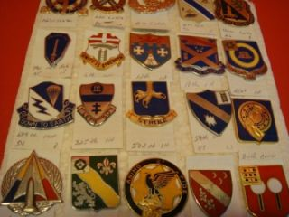 25 US MILITARY DISTINCTIVE UNIT INSIGNIA PINS ~ POST WWII TO POST