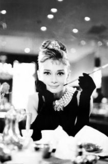 Audrey Hepburn Breakfast at Tiffanys x Stitch Pattern