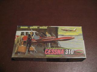 VINTAGE 1963 AURORA PLASTICS CORP. CESSNA 310 SCALE MODEL AIRCRAFT KIT