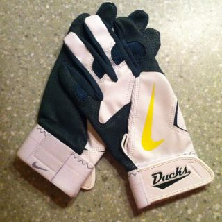 Nike Oregon Ducks Gloves Baseball Football