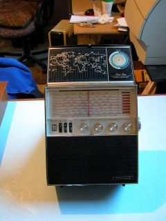 AIRCASTLE Solid State 8 Band Shortwave Radio