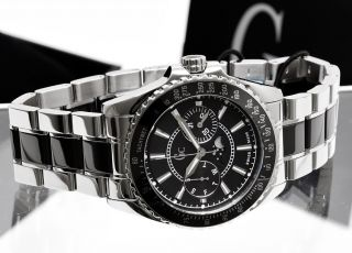 This is a very fine Ladies watch from Guess Collection. These watches