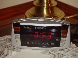 Emerson Research Smart Set Clock Radio Alarm Self Setting