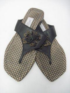 amy jo gladstone black leather thongs sandals size m