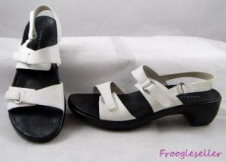 Aravon by New Balance Womens Slingback Sandals Shoes 11 B White