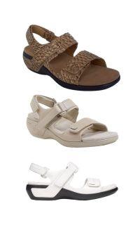 Aravon by New Balance Katy Womens Leather Sport Sandal in White Beige