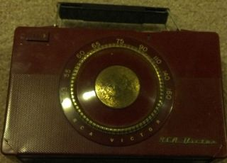 Vintage RCA Victor Battery Powered Radio Dark Red Nice Condition