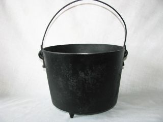 Antique Cast Iron Kettle Cowboy Camp Fire Bean Pot