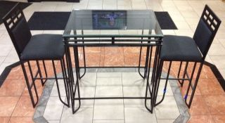 Restaurant / Cafe / Bistro / Diningroom Table & Chairs