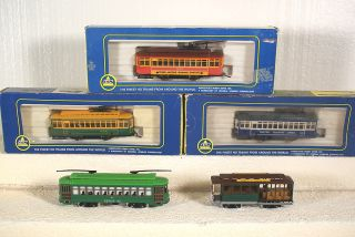 AHM HO scale BIRNEY TROLLYS (3)w/box Powered (2) wo/box Non