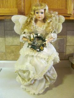 Porcelain Doll Christmas Angel LIGHTED Wreath Holiday Display Tree