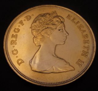 Queen Mother Birthday Gold Coin Elizabeth II ( £5 Size) Silver Royal