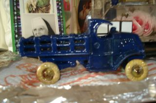 VINTAGE A.C. Williams Blue Stake Bed Cast Iron Truck   4.25