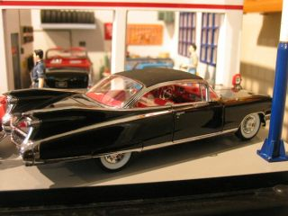 only to purchasers of the 1959 Cadillac Eldorado Biarritz Convertible