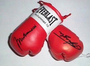 Autographed Mini Boxing Gloves Smoking Joe Frazier