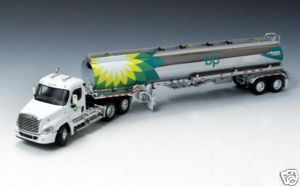 DCP BP OIL FREIGHTLINER CASCADIA DAY CAB W TANKER