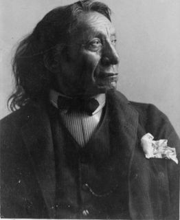 1891 photo Red Cloud, Oglala division of Lakota, Sioux, head and