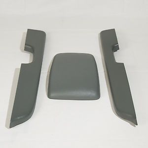 1987   93 Mustang Center Console & Arm Rest Pads (Gray)