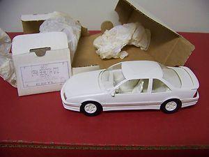 25 Scale AMT Ertl 1990 Chevrolet Beretta GTZ White