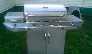 Char Broil Commerical 4 Burner Infrared Gas Grill Model # 463247311