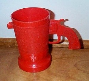 Vintage Red Plastic Western Theme Childs Cup Six Shooter Handle E Z