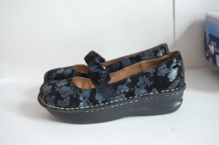 White Mountain Eureka black floral womens mary janes shoes size 8 M