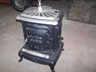 Old Antique Coal & Wood Burning Washinton Parlor Stove