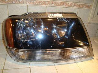 99 04 Jeep Grand Cherokee Right Halogen Headlight Black Clean