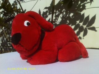 CLIFFORD THE BIG RED DOG   10in LayDown Clifford the Red Dog