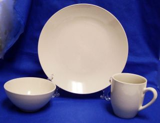 12 Piece Gibson Country Grace Dinnerware Set Plates Bowls Mugs Service