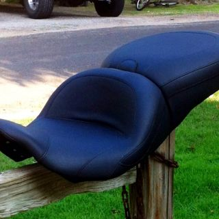 MUSTANG HARLEY DAVIDSON TOUR SEAT FOR ROAD KING