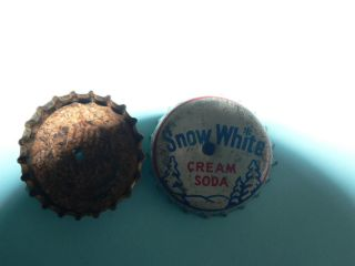 Vintage 1 Snow White Cream Soda Caps