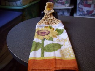 Crofts Barrow Sunflower Crochet Top Kitchen Towel