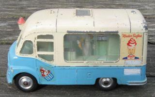 Toys 428 Smiths Karrier Van Mister Softee Ice Cream Truck