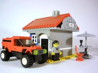 Lego Creator 4956 Custom Lego House with Minifigure Car and