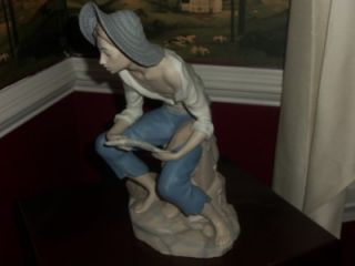 Rex Valencia Davila Porcelain figurine, Spain XLG. BOY FISHING SIGNED
