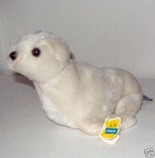 Dakin Plush White Finnegan Seal Nutshell 1976