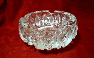 HEAVY LARGE CRYSTAL / GLASS DECORATIVE ASHTRAY CUT OR DEEP PRESSED