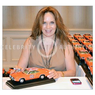Dukes of Hazzard Cast Autographed 1 18 General Lee Die Cast Car Signed