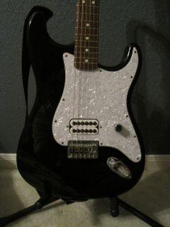 blink 182 Tom Delonge Fender Stratocaster Guitar