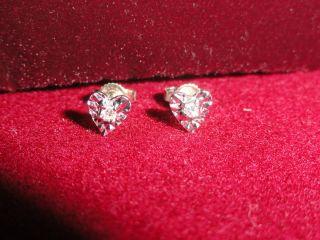 HEART SHAPED WHITE GOLD EARRINGS DIAMOND CENTER SHINY DAINTY